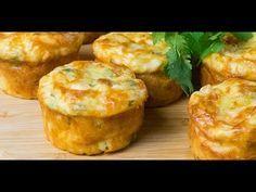 Brioșe aperitiv cu piept de pui și cașcaval: rapid și mega delicios. - Savuros.TV Muffins, Baked Potato, Food And Drink, Baking, Breakfast, Ethnic Recipes, Roxy, Baby Shower, Unique