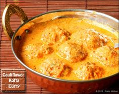 cauliflower-kofta-curry by Rak's Kitchen. The sauce looks really good! Garlic Recipes, Curry Recipes, Vegetarian Recipes, Cooking Recipes, Budget Recipes, Curry Side Dishes, Veggie Main Dishes, North Indian Recipes, Indian Food Recipes
