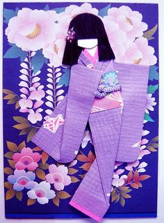ATC with hand-made Japanese paper doll. Traded to Materials: Background (Japanese pattern print); kimono (linen-like Japanese paper); viscose string on obi; nail sticker on hair. Japanese Origami, Japanese Paper, Asian Crafts, Ancient Japanese Art, Paper Art, Paper Crafts, Japanese Patterns, Kokeshi Dolls, Artist Trading Cards