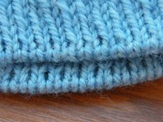 Factory edges of the product / My work - knitting Cast On Knitting, Easy Knitting, Knitting Stitches, Knitting Needles, Judys Magic Cast On, Stitch Patterns, Knitting Patterns, Knit Crochet, It Cast