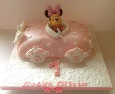 Minnie car birthday cake Minnie Car Cake for Magnificent Birthday Parties Cars Birthday Parties, First Birthday Cakes, Car Birthday, Disney Birthday, Car Cake Tutorial, Fondant Figures Tutorial, Mini Tortillas, Minnie Mouse Car, Pastel Mickey