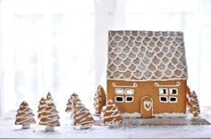 Gingerbread House & Forest by carnetsparisiens #Gingerbread_House