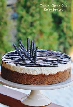 Tort cu branza, ciocolata si caramel Chocolate Caramel Cheesecake, Food Cakes, Cheesecakes, Cake Recipes, Sweets, Homemade, Baking, Desserts, Baby