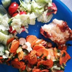 #Lunch ♡ #Fish, #veggies and some #salad. #yummy !
