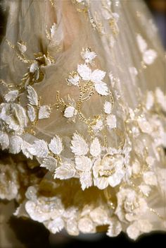 Valentino - Couture Fall 2006 - Details