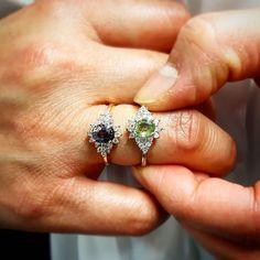 Devinette du jour: une de ces deux bagues coûte 69 lautre 699. Pourriez-vous deviner leur prix et de quelle pierre il sagit? Nous vous donnons la réponse la semaine prochaine!  Découvrez nos collections sur www.juwelo.fr et trouvez peut-être la réponse!  #juwelotv #bijoux #pierresprecieuses #gemstones #tresors #bleu #vert #bague #baguedefiancailles #or #argent #gold #silver #blue #green Or, Diamond Earrings, Inspiration, Jewelry, Instagram, Duck Egg Blue, Engagement Ring, Ring, Stone