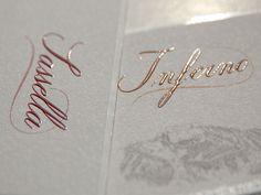Etichette adesive realizzate per la Casa Vinicola Nino Negri di Chiuro (So). La particolarità è il Rilievo Braille sul nome del vino e nel logo della cantina.
