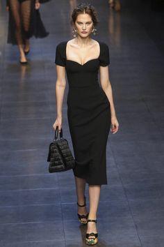 Imagen de https://d36di5nvqr47bo.cloudfront.net/photos/4386/17123/dolce-gabbana-ready-to-wear-spring-summer-2014-milan-4386-looks-20130922-232101/Dolce-Gabbana-RTW-SS14-1004-5-1379856374-thumb.jpg.