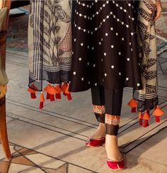 Women S Fashion Dropshippers Usa Product Pakistani Fashion Casual, Pakistani Dresses Casual, Pakistani Bridal Dresses, Pakistani Dress Design, Bridal Dupatta, Silk Dupatta, Pakistani Girl, Dress Neck Designs, Designs For Dresses