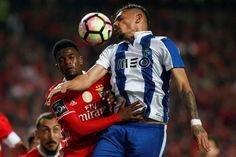 Benfica e F. C. Porto empataram 1-1, este sábado à noite, no estádio da Luz