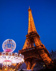 I took this photo on a recent trip to Paris on a lovely February evening. ©Jessica Rose Photography