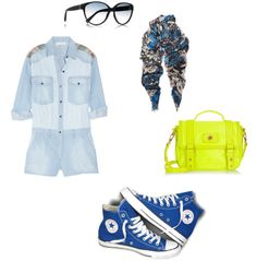 Outfit: Mono: Étoile de Isabel Marant; Bolso: Marc by Marc Jacobs; fular: Christopher Kane; Gafas: Yves Saint Laurent