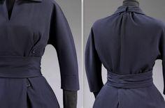 1952 La Ligne Sinueuse suit Dior-Skirt, jacket and belt