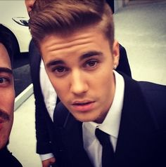 OMBBBB!!!!!!!!!!! His beautiful hair and eyes<3