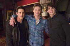 Good choice! 3x the hotness RT @FansOfMcQueen #ManCrushMonday #threesome (: pic.twitter.com/K3P3w1eN4m