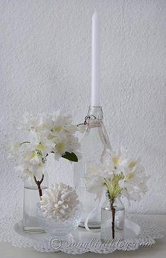 coastal white flowers decoration via Songbirdblog
