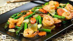 Lemon-garlic shrimp and vegetables Grilling Recipes, Seafood Recipes, Cooking Recipes, Easy Dinner Recipes, Easy Meals, Healthy Cooking, Healthy Recipes, Lemon Garlic Shrimp, Vegetable Chips