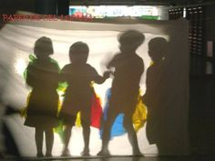 Cel·lofana. Llar d'infants Vallalta (Sant Iscle de Vallalta). Reggio Emilia, Light And Shadow Photography, Manners For Kids, Social Emotional Activities, Interactive Exhibition, Shadow Play, Shadow Puppets, School Photography, Toddler Art