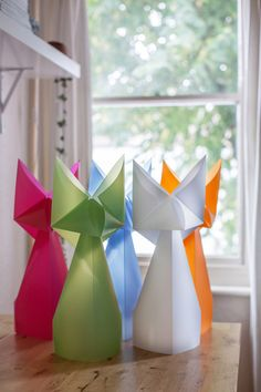 Origami for Everyone – From Beginner to Advanced – DIY Fan Gato Origami, Origami Diy, Design Origami, Origami Mouse, Origami Star Box, Origami Folding, Useful Origami, Origami Stars, Origami Paper