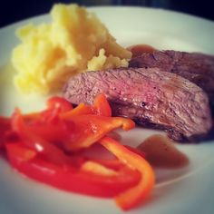 Lamb steak with mashed potatoes and fried paprika Mashed Potatoes, Lamb, Steak, Beef, Homemade, Cooking, Food, Whipped Potatoes, Meat