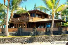 Beach house in Hawaii...Vintage Hawaiian home!