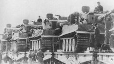 Eisenbahntransport von Panzer Tiger nach Kursk 1943. Narrow tracks and no outer road wheels.