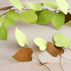 DIY paper heart leaf philodendron - The House That Lars Built Paper Leaves, Tissue Paper Flowers, Plastic Flowers, Faux Flowers, Paper Hearts Origami, Paper Plants, Diy Papier, Paper Artwork, Blog Deco