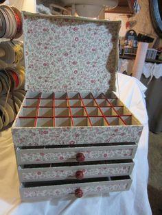 Les Ateliers de Cath and Co: Cardboard Cardboard Organizer, Cardboard Recycling, Cardboard Storage, Cardboard Box Crafts, Cardboard Furniture, Craft Room Storage, Paper Crafts, Diy Craft Projects, Diy And Crafts