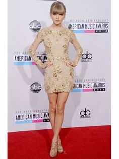 Taylor Swift stunned in a Zuhair Murad mini at the #AMAs last night!