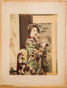 TAMAMURA      BIJIN  / A BEAUTIFUL WOMAN     Circa 1880      Via   www.classiqs.com