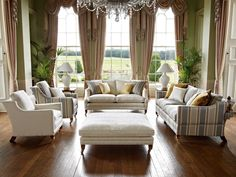 DURESTA TRAFALGAR - Inspired by designs and details of furniture found in the collections of The National Trust the Trafalgar sofa range depicts the classic English style of upholstery skilfully produced to provide sumptuous comfort and quality by hand made craftsmanship and expertise gleaned by over seventy years of experience.  The Trafalgar is available with cushion back or scatter back to suit your comfort and style and as 3 seater sofa, 2.5 seater sofa, chair and stool.