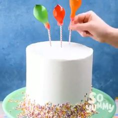 Easy Cake Recipes - New ideas Cake Decorating Techniques, Cake Decorating Tips, Cookie Decorating, Just Desserts, Delicious Desserts, Yummy Food, Desserts Diy, Sweet Recipes, Cake Recipes