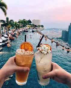 Drinks at Ce La Vi Bar at Marina Bay Sands, Singapore Singapore Things To Do, Singapore Travel Tips, Singapore Photos, Visit Singapore, Singapore Bar, Singapore Guide, Singapore Itinerary, Places To Travel, Travel Destinations