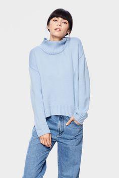 siizu. SiiZU. Blue sweater, Turtle Neck Sweater, Merino Wool, eco clothing, natural clothing, green clothing, luxury clothing, organic clothing, affordable clothing, eco friendly sweater, Vina Sweater