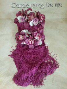 Hombreras de Flores y Flecos tonos Buganvilla. Fleco de seda largo con una caída preciosa. Para las flamencas más estilosas. Hechas artesanalmente. https://m.facebook.com/complementosdearte/