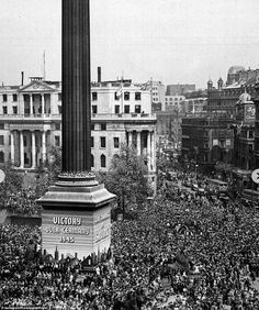 Prince William, and Kate Middleton, shared a series of black-and-white photographs of crowds celebrating VE Day in London, including one of the Queen, as she worked as a mechanic. Prince William And Kate, William Kate, Princess Elizabeth, Elizabeth Ii, Duke And Duchess, Duchess Of Cambridge, Katherine Jenkins, Kingdom Of Great Britain, Trafalgar Square