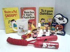 Snoopy Charlie Brown Gang Lot Anchor Hocking Books Figures Vintage 13 Lot