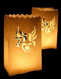 Lampiony z motywem gołąbków - ciekawa dekoracja na ślub