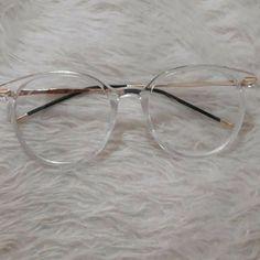 Glasses Frames Trendy, Glasses Trends, Lunette Style, Eyewear Trends, Fashion Eye Glasses, Men Eyeglasses, Cute Sunglasses, Necklace Designs, Jewelry Accessories