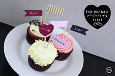 This Friday's Pinspiration comes from these cupcake calligraphy flags. We love these because there is a link for the free printables. Super quick and easy for a Valentines Day sweet treat!