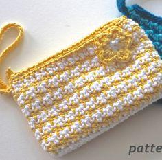 Gotta Go Crochet Clutch: free ✿⊱╮Teresa Restegui http://www.pinterest.com/teretegui/✿⊱╮
