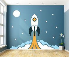 Houten muurdesign Raket jongenskamer 286 x 226 cm (bxh). Kids Room Murals, Kids Room Paint, Bedroom Murals, Bedroom Wall, Kids Bedroom Designs, Baby Room Design, Baby Room Decor, Wall Design, Big Boy Bedrooms