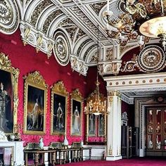 Inside Buckingham Palace Palais De Buckingham, Buckingham Palace London, Palace Interior, Royal Residence, British Royal Families, Windsor Castle, Royal Palace, Westminster, Beautiful Interiors