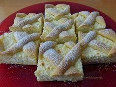mřížkový koláč s tvarohem (Similar a la pasta frola, pero con cottage cheese y sour cream)