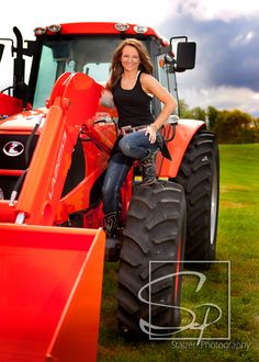 Senior pictures / Farm Girl / Tractor / Boots