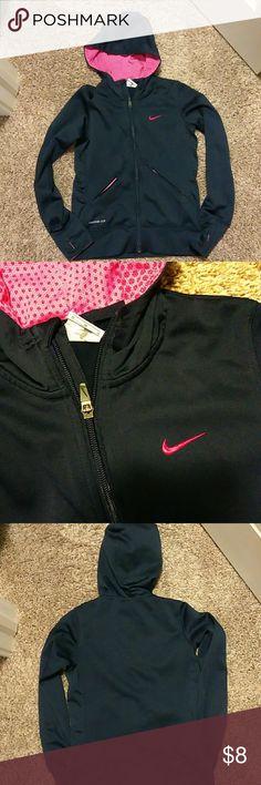 Nike zip up Nice no holes no marks nike Shirts & Tops Sweatshirts & Hoodies