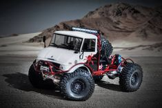 2048 x 1359 ( Rc Cars And Trucks, Jeep Cars, Cool Trucks, Cool Cars, Radios, Mercedes Benz Unimog, Rc Rock Crawler, Trophy Truck, Bug Out Vehicle