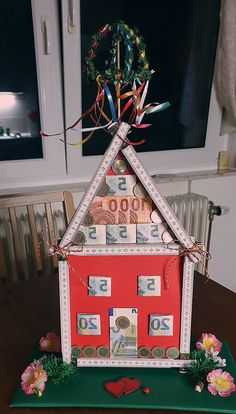 Money gift for the topping-out ceremony at home - gift ideas - # for . - Money gift for the topping-out ceremony at home – gift ideas – gift idea - Home Gifts, Diy Gifts, Great Gifts, Don D'argent, Wedding Favors, Wedding Gifts, Diy And Crafts, Crafts For Kids, Diy Hanging Shelves