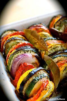 Tian de légumes de Provence, cuit lentement au four à basse température: Le soleil dans l'assiette! On peut y ajouter de la mozzarella en fin de cuisson.