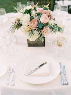 rustic wood boxes and english garden rose centerpieces | Photography: Sally Pinera